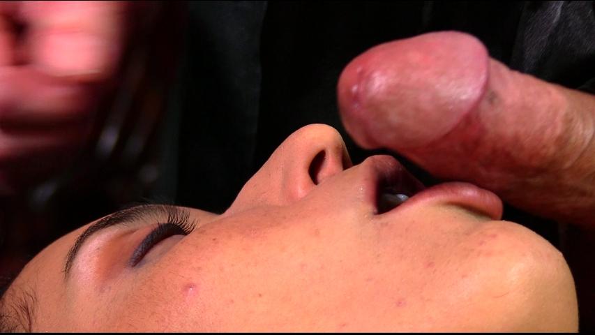 PV-tia-cyrus-massage-07