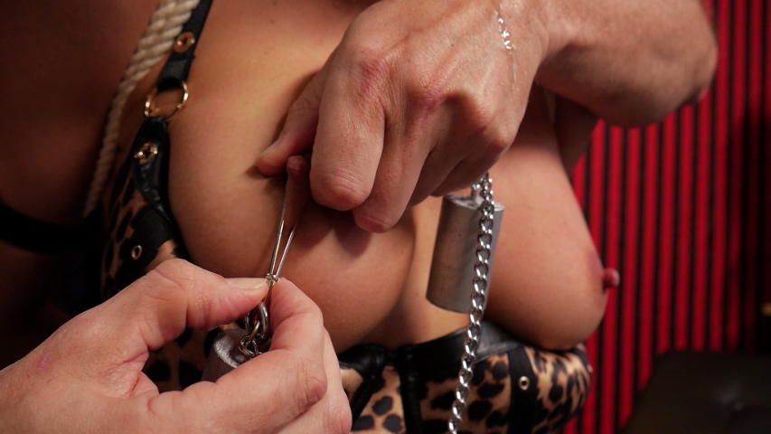 PV-cherie-deville-more-than-she-bargained-for-05
