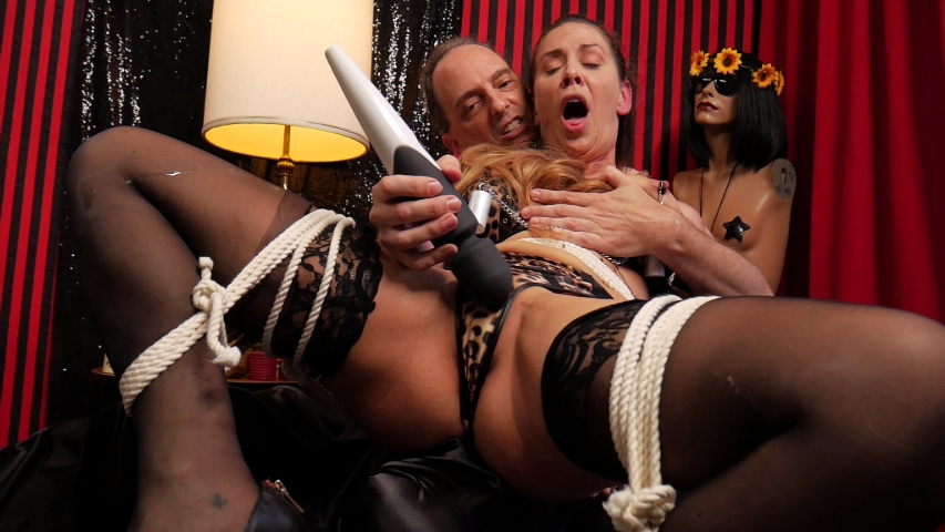 PV-cherie-deville-more-than-she-bargained-for-07